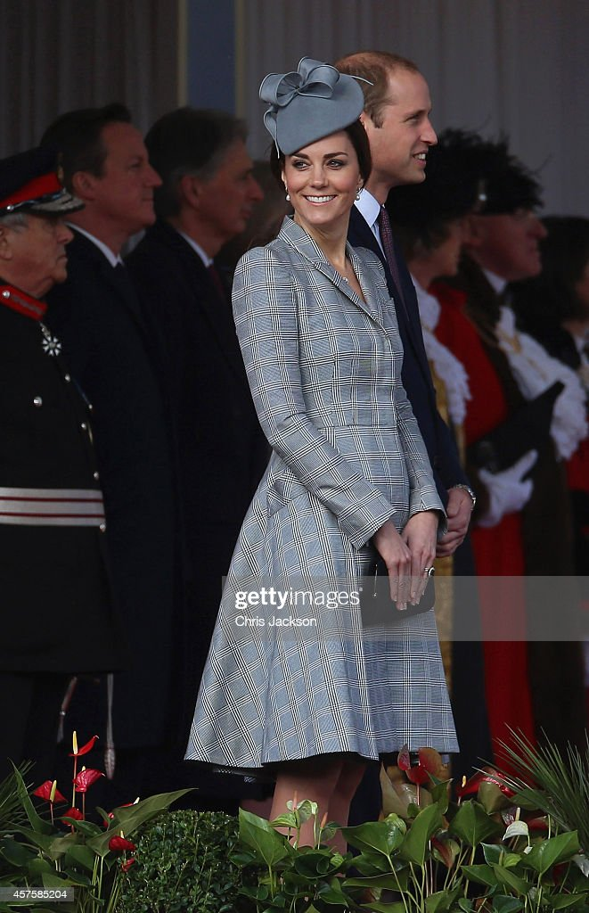 The Duke And Duchess Of Cambridge Welcome The President Of Singapore : News Photo