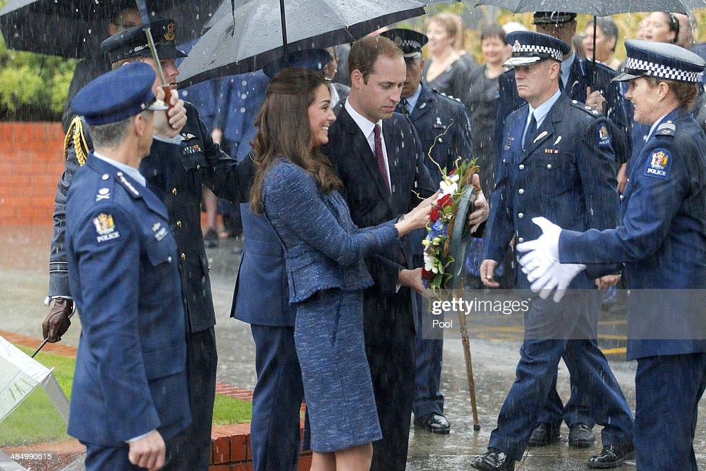 The Duke And Duchess Of Cambridge Tour Australia And New Zealand - Day 10 : News Photo