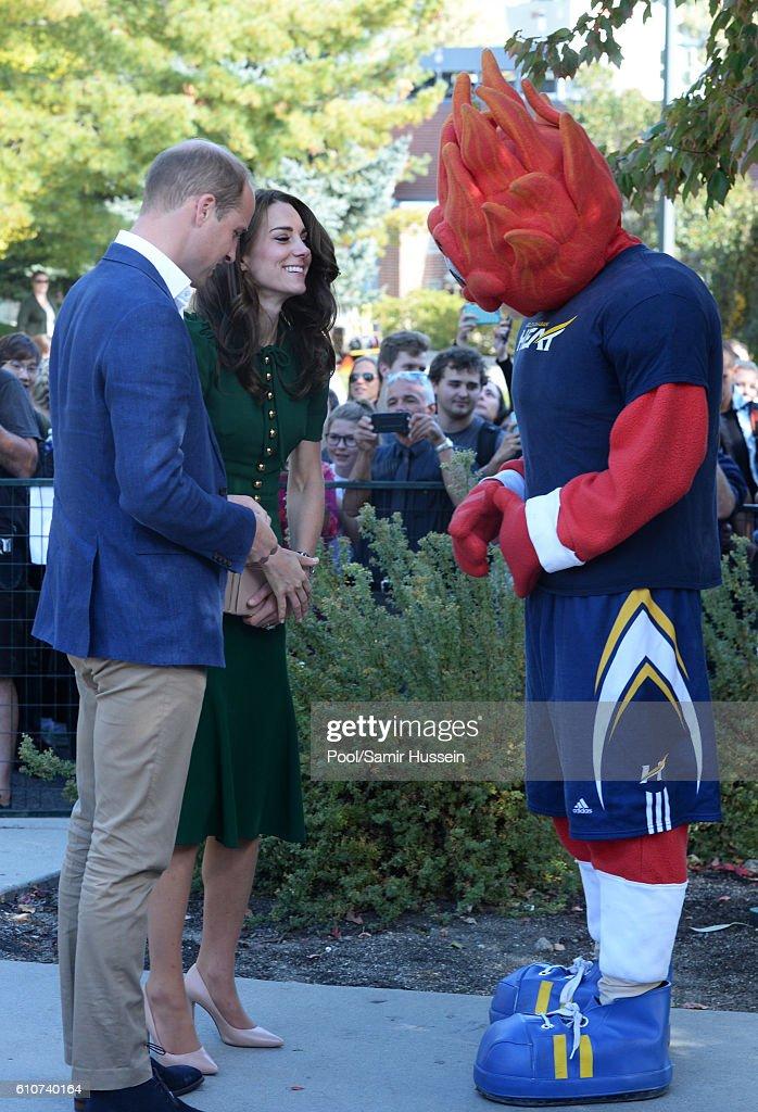 2016 Royal Tour To Canada Of The Duke And Duchess Of Cambridge - Kelowna, British Columbia And Whitehorse, Yukon : News Photo
