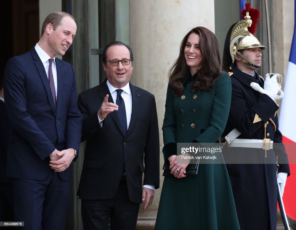 Prince William, Duke of Cambridge and Catherine,Duchess of Cambridge pose with French President Francois Hollande at the Elysee Palace during day one of their visit on March 17, 2017 in Paris, France.