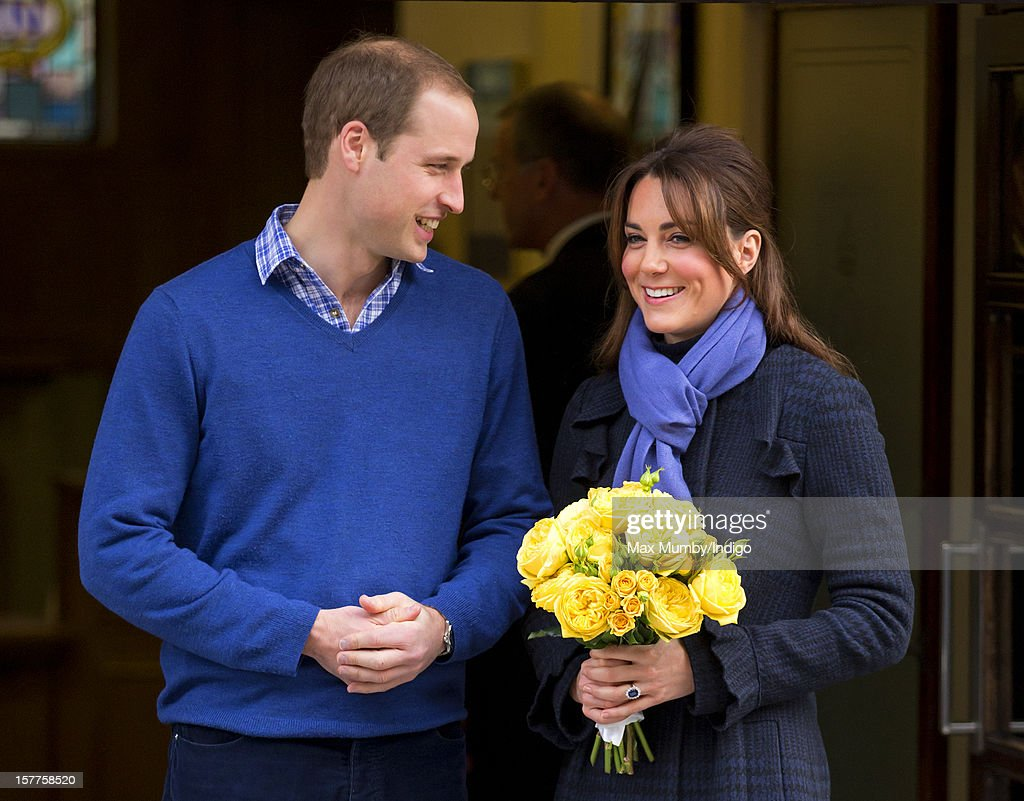 Duchess Of Cambridge Leaves The King Edward VII Hospital : Fotografía de noticias