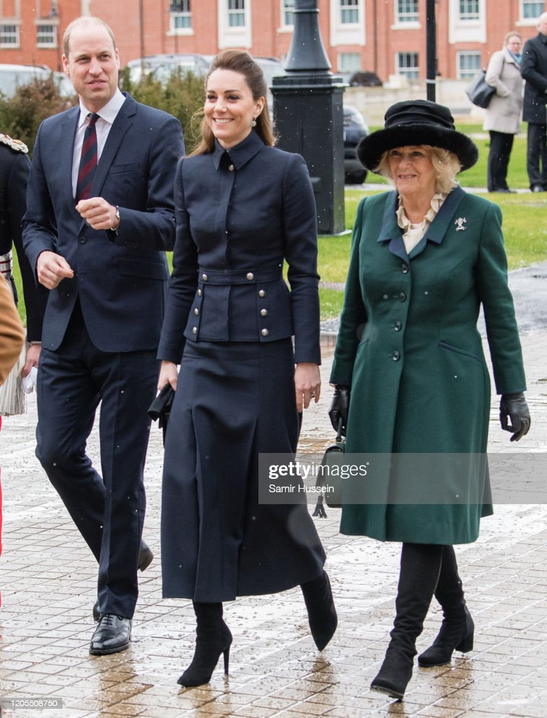 Prince Of Wales And Duchess Of Cornwall Visit Leicestershire : Foto di attualità
