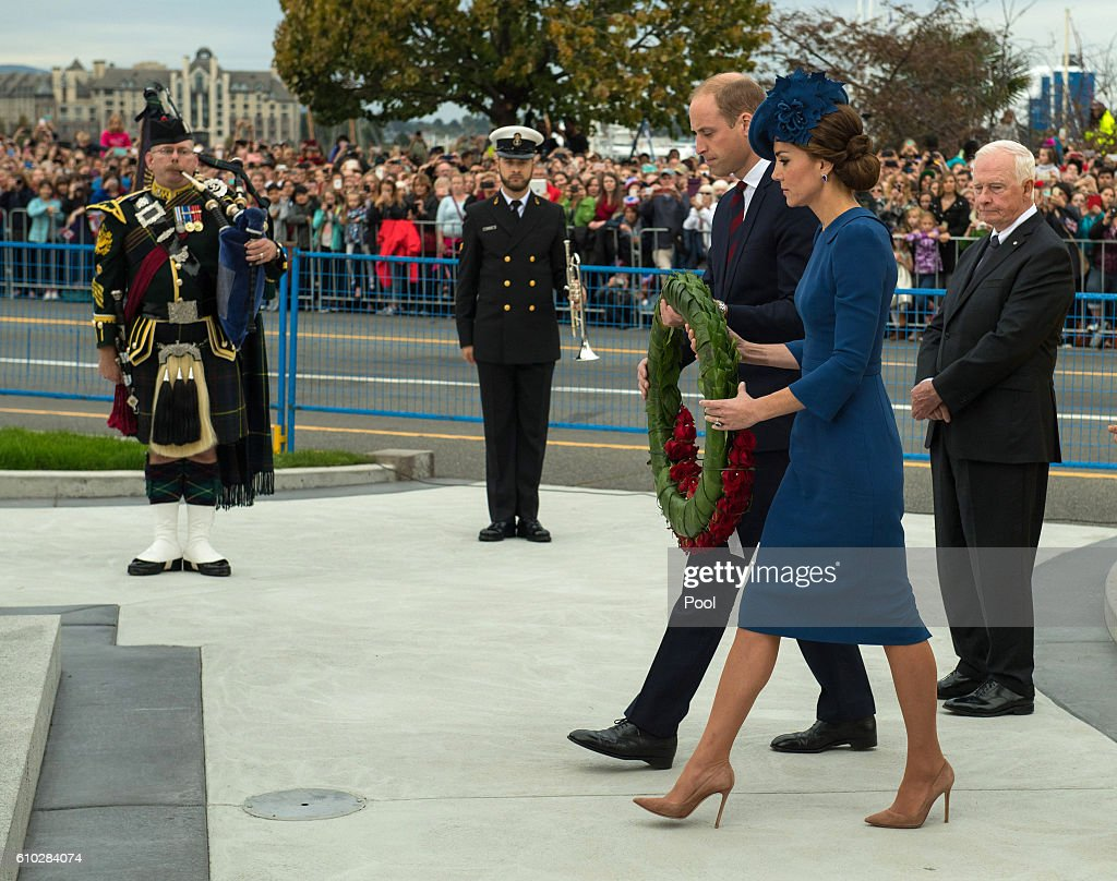 2016 Royal Tour To Canada Of The Duke And Duchess Of Cambridge - Victoria, British Columbia : Nachrichtenfoto