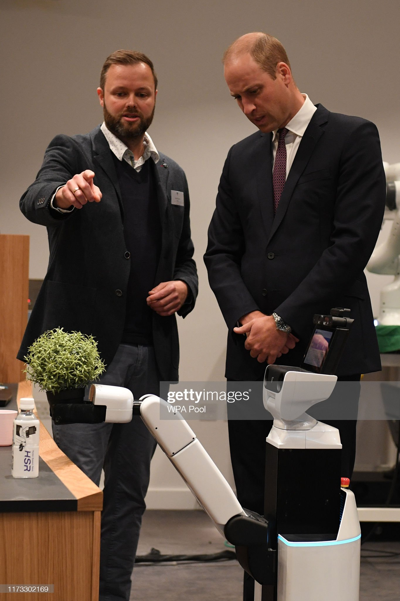 prince-william-duke-of-cambridge-interacts-with-bambam-a-robot-to-picture-id1173302169