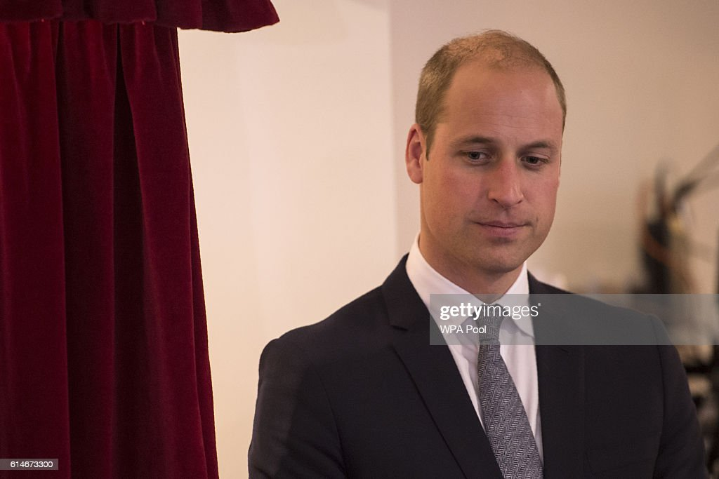 The Duke And Duchess Of Cambridge Visit Manchester : Photo d'actualité