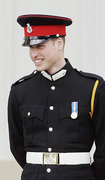 Prince harry commissioned as second lieutenant at - How to become an army officer after college ...