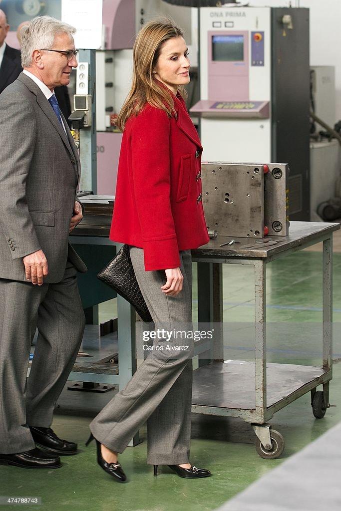 Princess Letizia of Spain Visits Albacete : News Photo