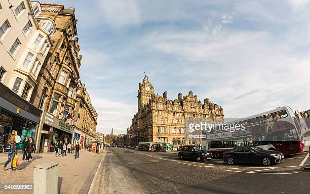 princes street, edinburgh - theasis stockfoto's en -beelden