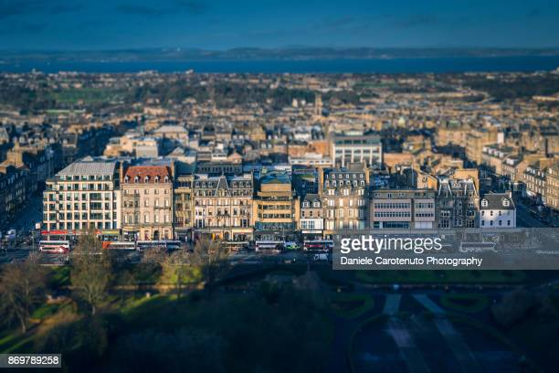 princes street from above - daniele carotenuto stock pictures, royalty-free photos & images