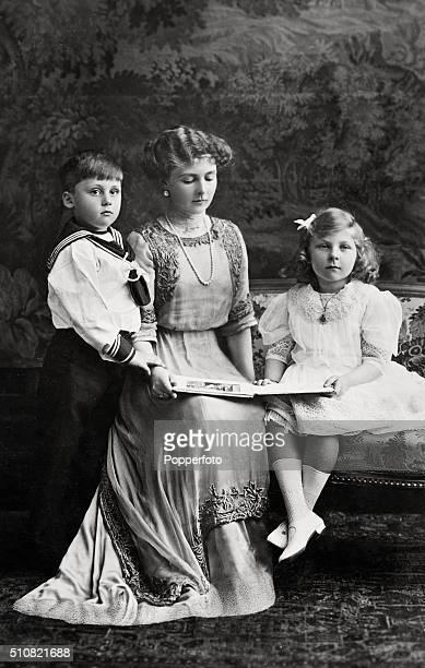 Princess Alexander of Teck with her children Prince Rupert and Princess May circa 1910