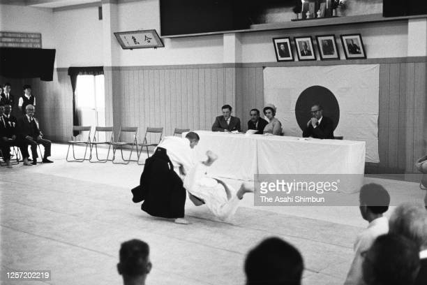 Princess Alexandra and her husband Angus Ogilvy watch the Aikido performance on September 29, 1965 in Tokyo, Japan.