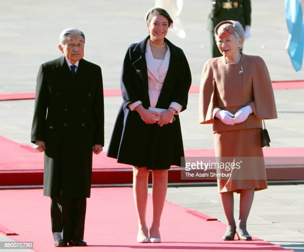 Princess Alexandra of Luxembourg Emperor Akihito and Empress Michiko attend the welcome ceremony at the Imperial Palace on November 27 2017 in Tokyo...