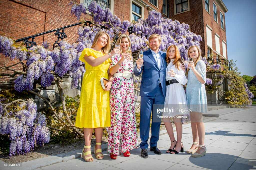 Dutch Royal Family Celebrates Kingsday At Home : Foto di attualità