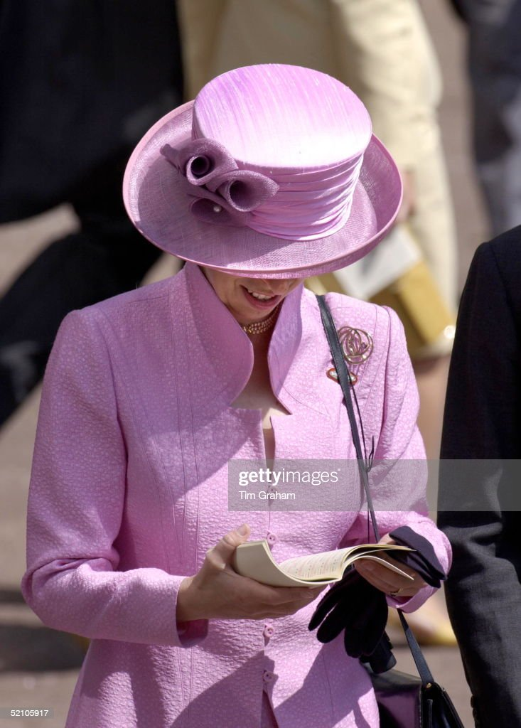 Anne Reading At Ascot : News Photo
