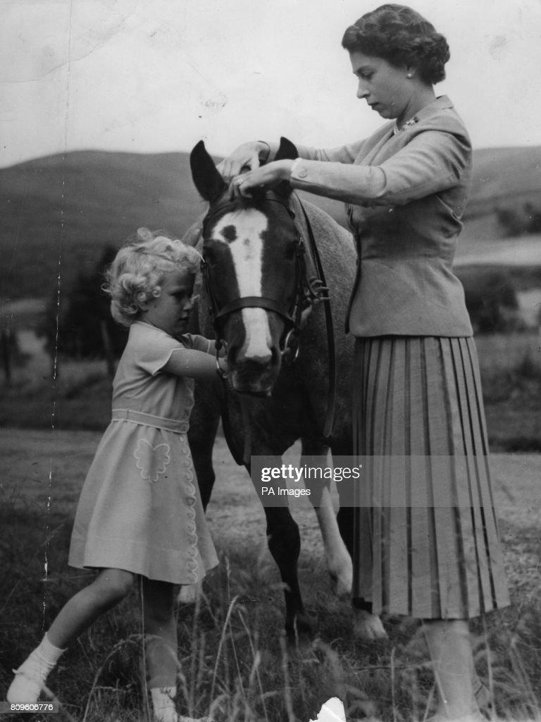 Royalty - Royal Family - Balmoral, Scotland : News Photo