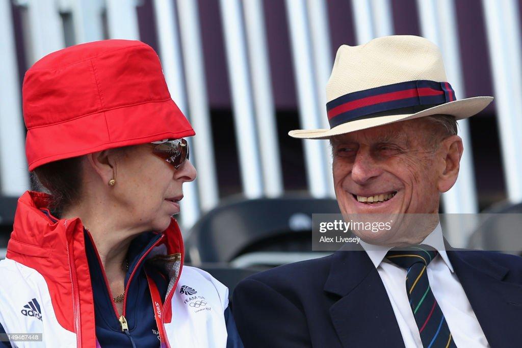 Olympics Day 2 - Equestrian : News Photo