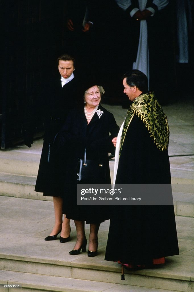 Princess Anne, Princess Royal and the Queen Mother attend th : Nieuwsfoto's