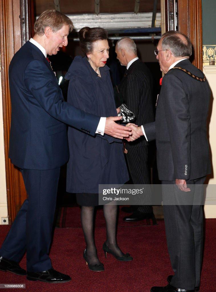 CASA REAL BRITÁNICA - Página 78 Princess-anne-princess-royal-attends-the-royal-british-legion-of-at-picture-id1059989308