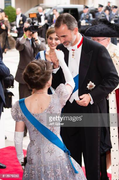 Princess Anne Princess Royal greets King Felipe VI of Spain as they attend the Lord Mayor's Banquet at the Guildhall during a State visit by the King...