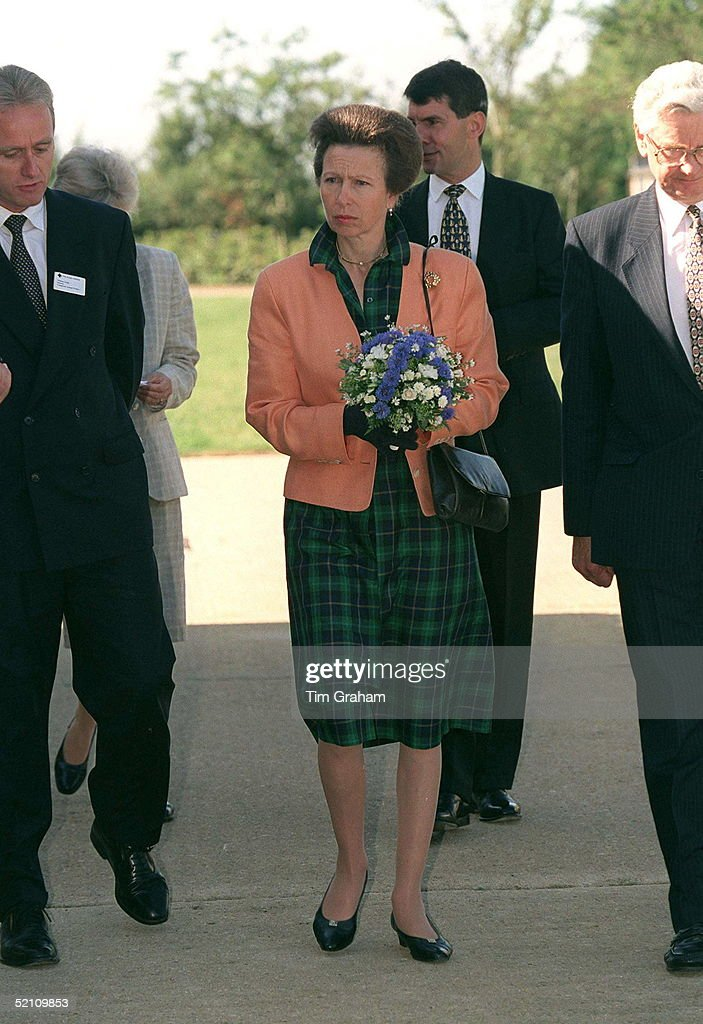 Princess Anne Full Length Blue Cros : News Photo