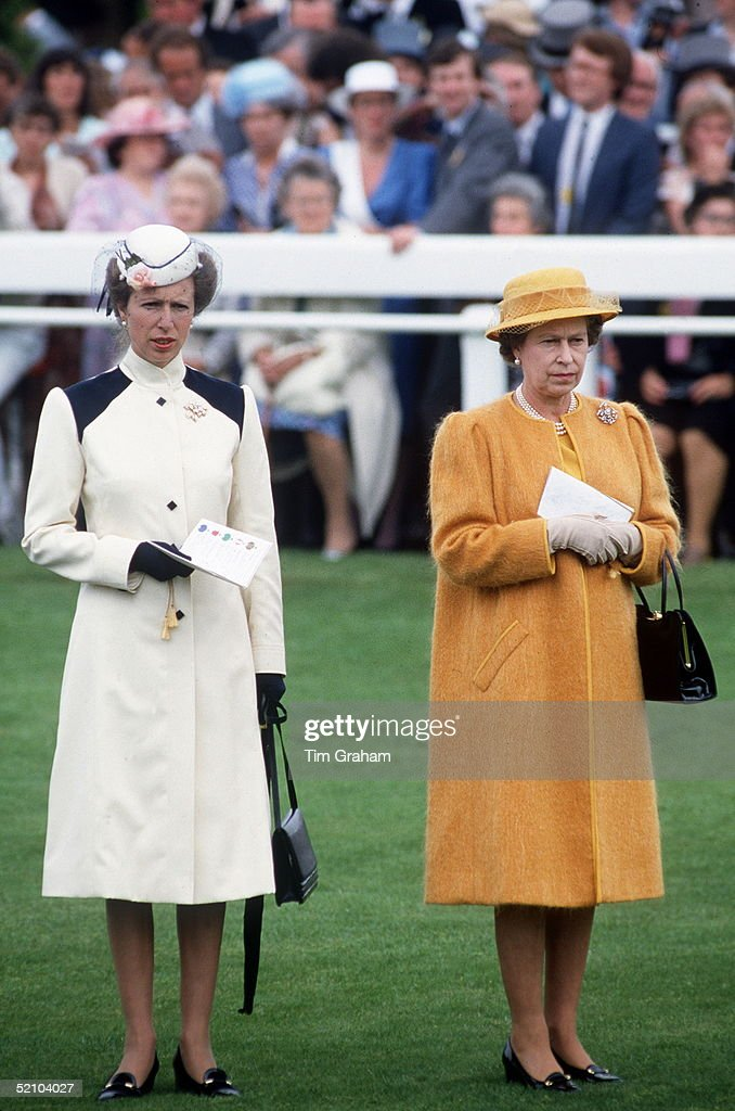 Anne And Queen Derby : Fotografía de noticias