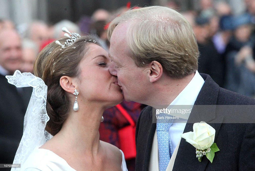 Princess Annemarie Gualtherie van Weezel and Prince Carlos de Bourbon de Parme kiss during their Royal Wedding at Abbaye de la Cambre on November 20, 2010 in Brussels, Belgium.