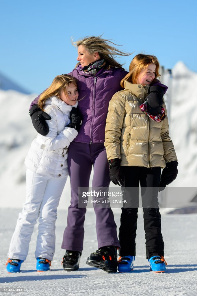 Princess Ariane of the Netherlands, Queen Maxima of the Netherlands and Princess Alexia of the Netherlands pose at a photocall during their ski holidays, in Lech am Arlberg, Austria, on February 26, 2018. / AFP PHOTO / APA / DIETMAR STIPLOVSEK / Austria OUT