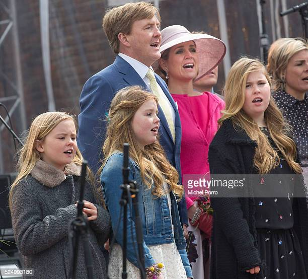 Princess Ariane Princess Alexia King WillemAlexander Queen Maxima and Princess CatharinaAmalia of The Netherlands sing the national anthem after...