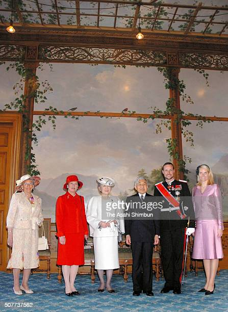 Princess Astrid Queen Sonja Emperor Akihito Empress Michiko Crown Prince Haakon and Crown Princess MetteMarit pose for photographs during the welcome...