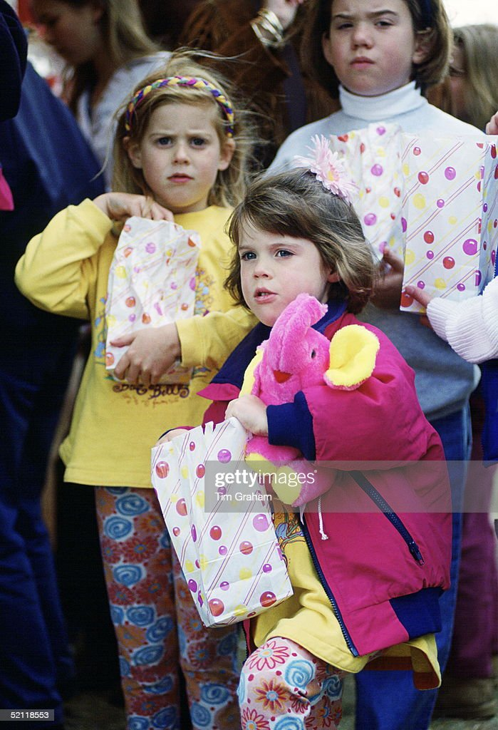 Beatrice And Eugenie Windsor Horseshow : News Photo