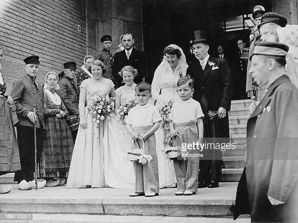 Princess Beatrix later Queen Beatrix of the Netherlands and her sister Princess Irene act as bridesmaids at the wedding of Lady Cornelie Sickinghe...