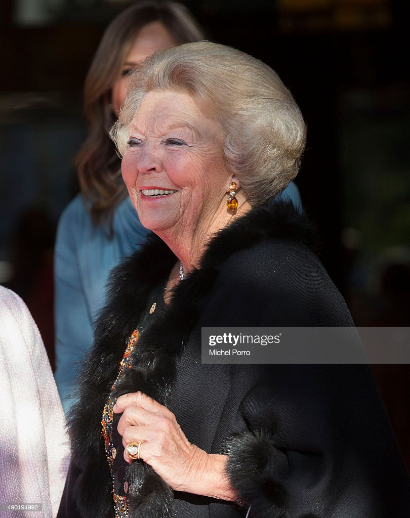 Princess Beatrix of The Netherlands arrives for festivities marking the final celebrations of 200 years Kingdom of The Netherlands on September 26, 2015 in Amsterdam, Netherlands