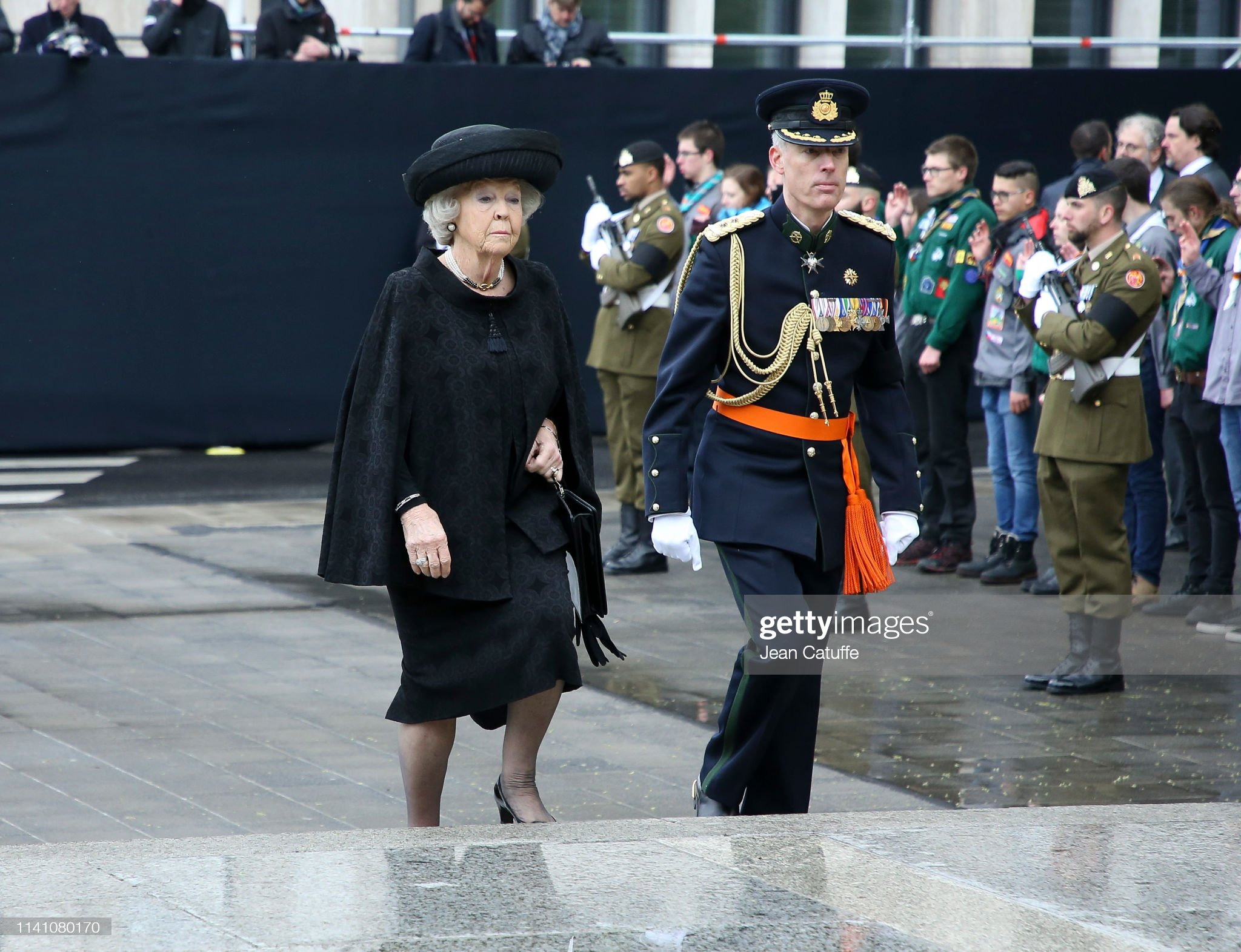 Похороны Великого Герцога Жана https://media.gettyimages.com/photos/princess-beatrix-of-the-netherlands-arrives-for-the-funeral-of-grand-picture-id1141080170?s=2048x2048