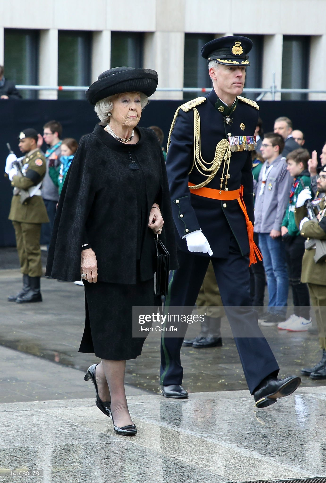Похороны Великого Герцога Жана https://media.gettyimages.com/photos/princess-beatrix-of-the-netherlands-arrives-for-the-funeral-of-grand-picture-id1141080178?s=2048x2048