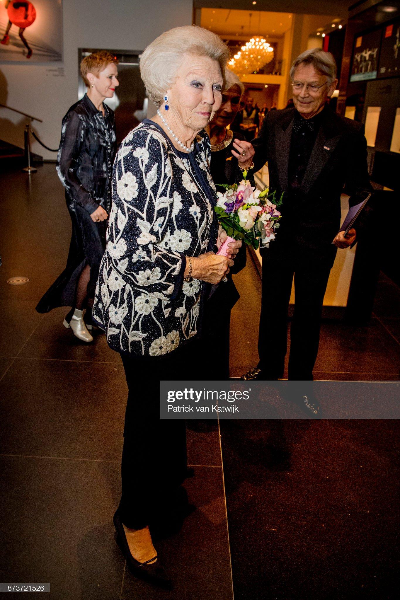 Princess Beatrix at Balletgala Dansersfonds in DeLaMar theater Amsterdam : News Photo