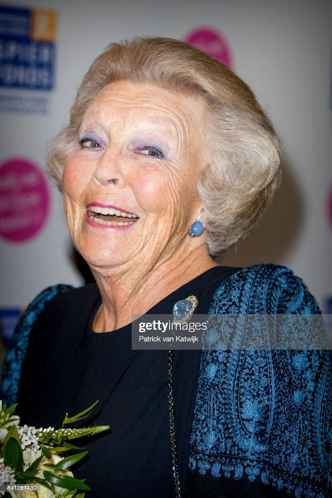 """Princess Beatrix Of The Netherlands Visits Dance Event """"Free to Move"""" In The Hague : Nieuwsfoto's"""