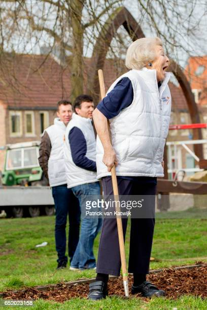 Princess Beatrix of The Netherlands laughs she she volunteers for NL Doet in the the kindergarden on March 11 207 in IJsstelsteijn The Netherlands NL...