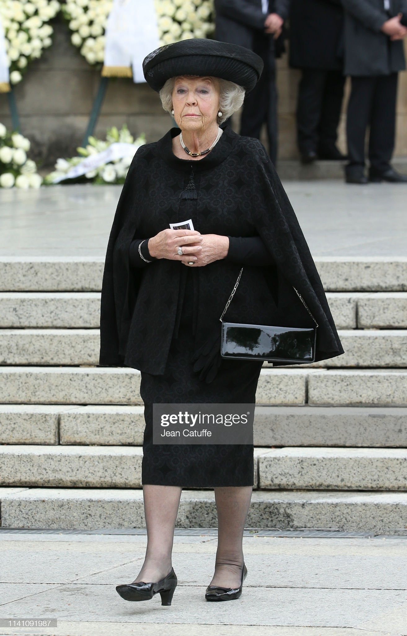 Похороны Великого Герцога Жана https://media.gettyimages.com/photos/princess-beatrix-of-the-netherlands-leaves-the-funeral-of-grand-duke-picture-id1141091987?s=2048x2048