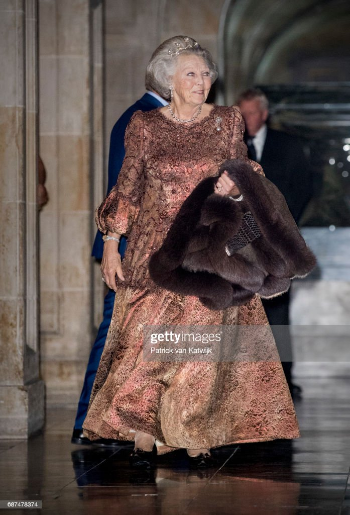 Royal Family Of The Netherlands Attends Gala Diplomatic Corps Gala Diplomatique At the Royal Palace In Amsterdam : Nieuwsfoto's