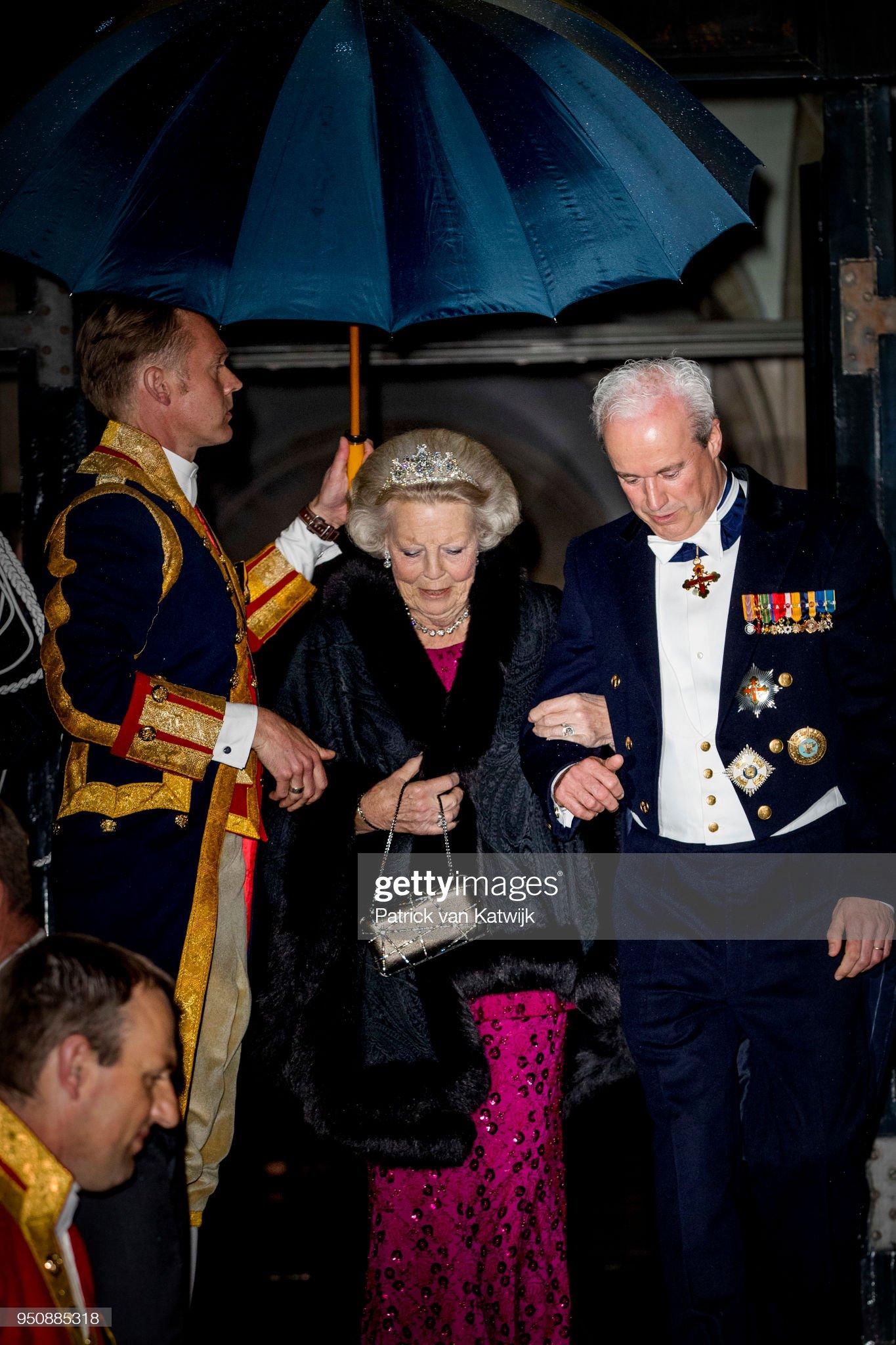 Dutch royals at gala diner Corps diplomatique at royal palace Amsterdam : News Photo