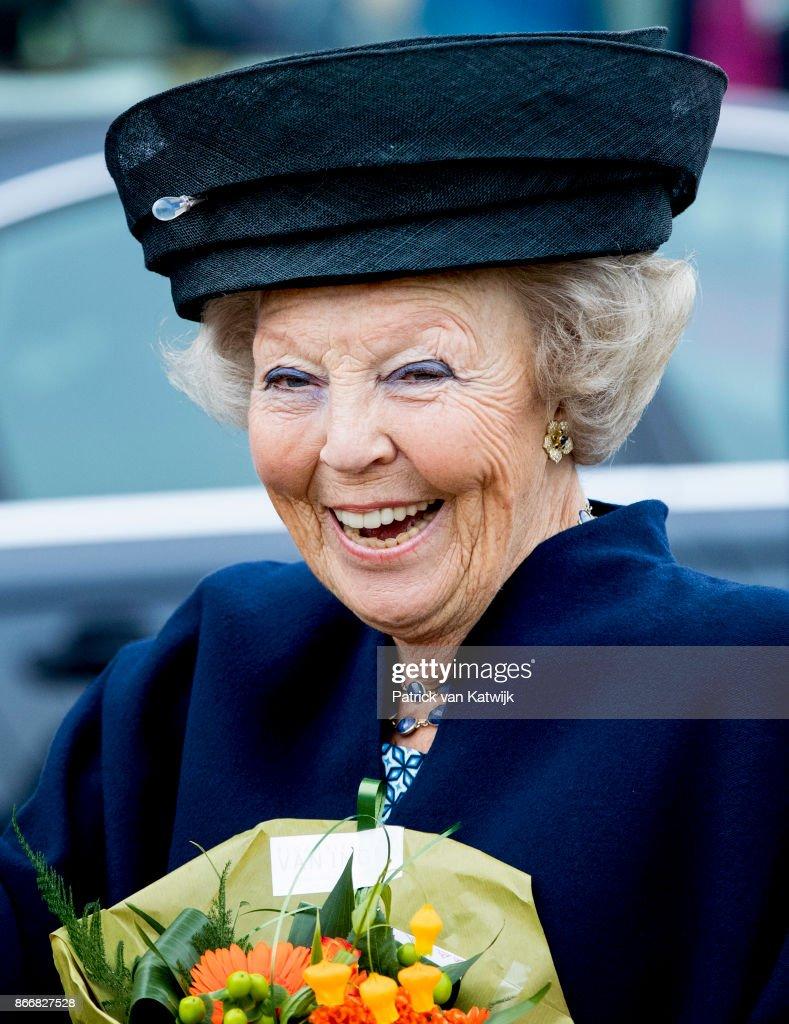 Princess Beatrix Opens Cultural Center Zinder In  Tiel : News Photo