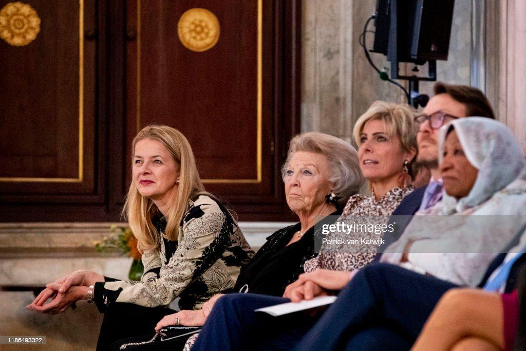 Dutch Royal Family Attends Prince Claus Award Ceremony In Amsterdam : Fotografía de noticias