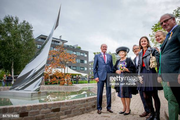 Princess Beatrix of The Netherlands with museum founder Jos de Pont and British sculptor Anish Kapoor opens the jubilee Exhibition WeerZien at Museum...