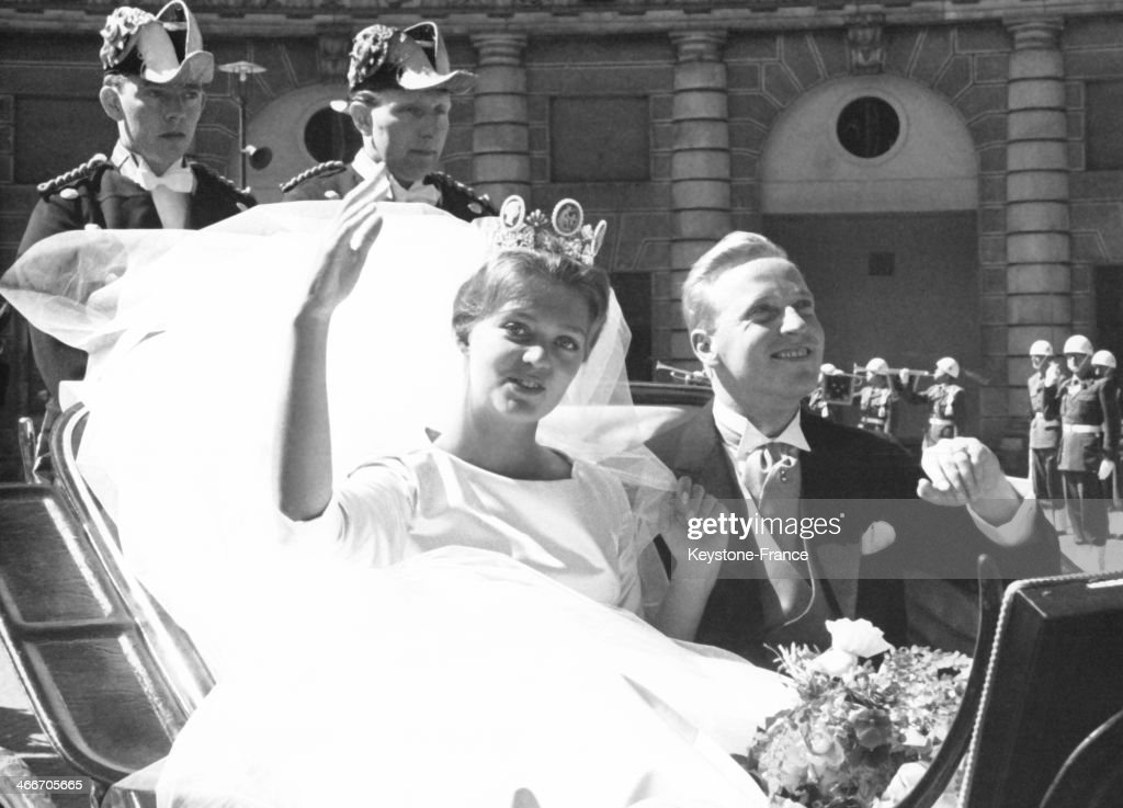 Princess Birgitta and Prince Johann of Hohenzollern in a carriage driving through town after their wedding ceremony on May 25, 1961 in Stockholm, Sweden.