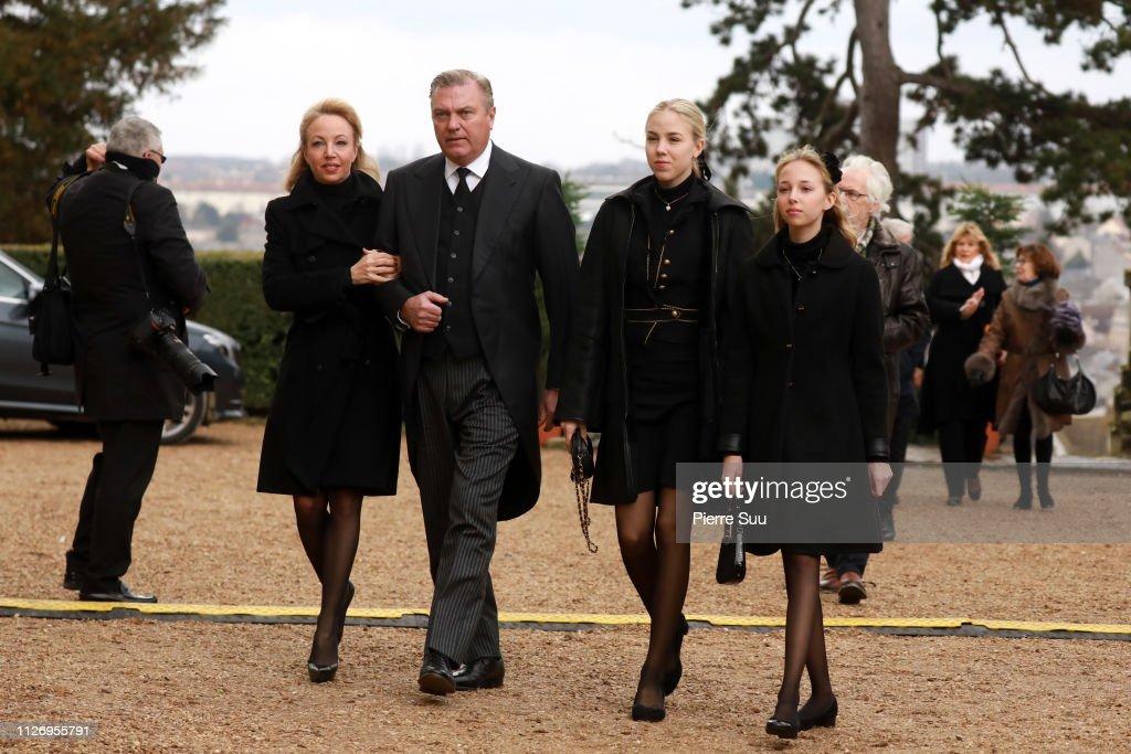 Funerals Of Prince Henri Of Orleans,  Count Of Paris at Chapelle Royale In Dreux : Fotografía de noticias