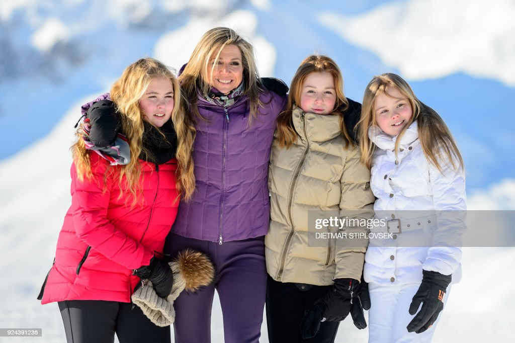 Princess Catharina-Amalia of the Netherlands, Queen Maxima of the Netherlands, Princess Alexia of the Netherlands and Princess Ariane of the Netherlands pose at a photocall during their ski holidays, in Lech am Arlberg, Austria, on February 26, 2018. / AFP PHOTO / APA / DIETMAR STIPLOVSEK / Austria OUT