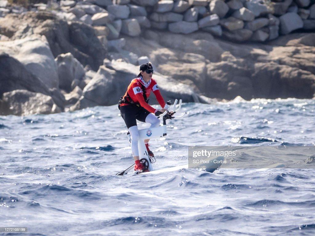 The Crossing Calvi Monaco Water Bike Challenge : Departure From Calvi : News Photo