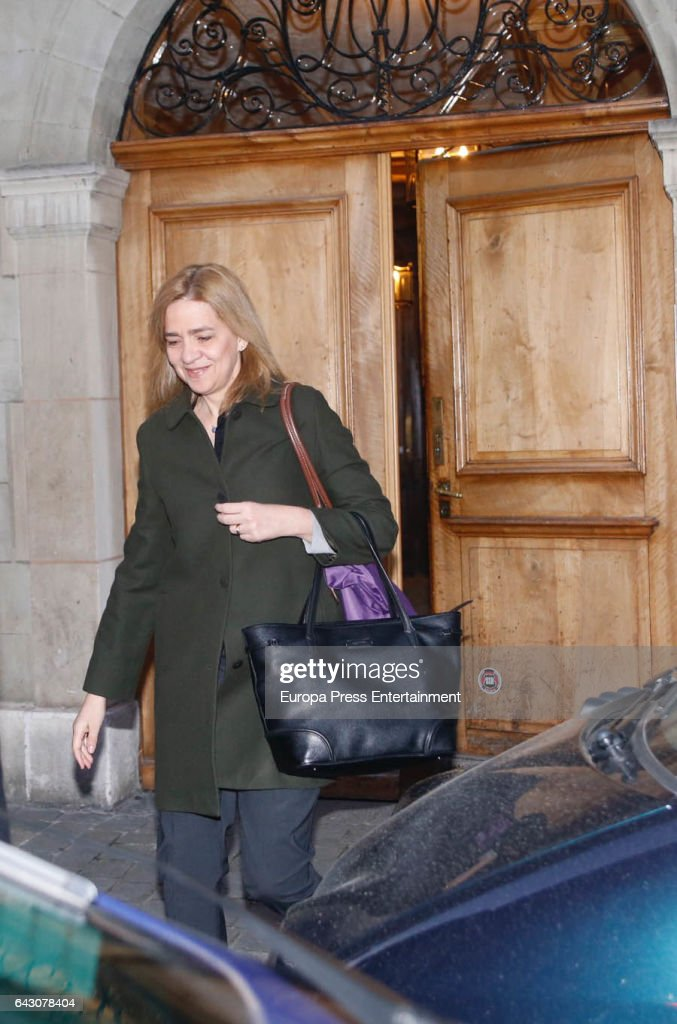 Princess Cristina and Family Sighting In Geneva - February 20, 2017 : News Photo