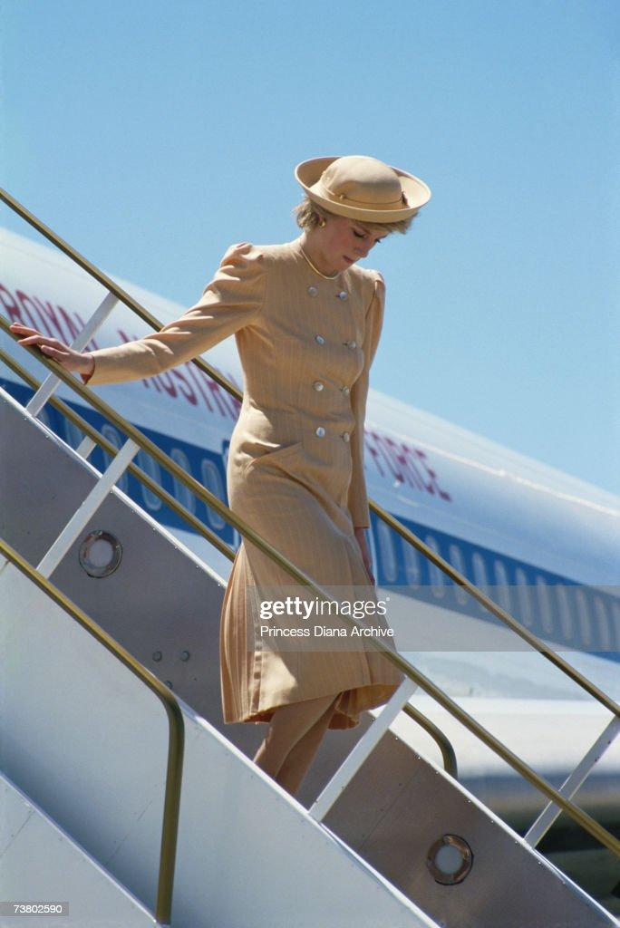 Diana Arrives In Australia : Nieuwsfoto's