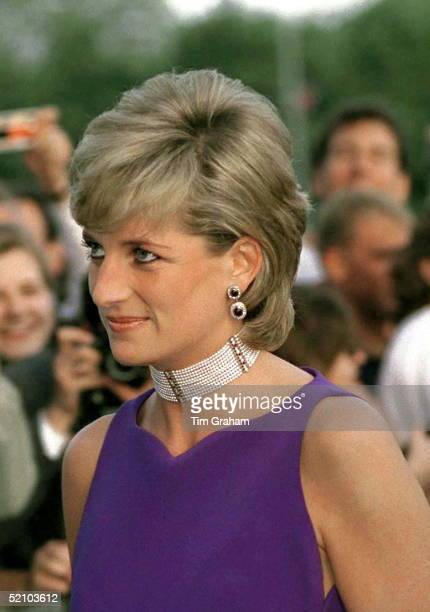Princess Diana Arriving For Gala Dinner In Chicago.